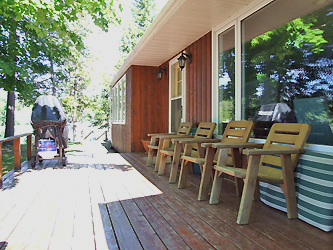 Shadow Lake 8 Cottage Deck